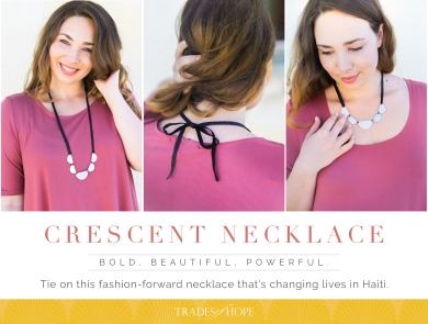 Crecent-Necklace-Highlight